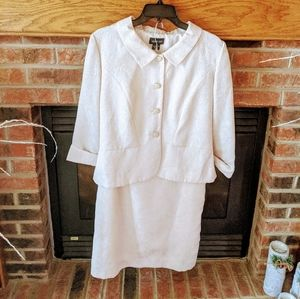 Leslie fay brand cream skirt suit size women's 8